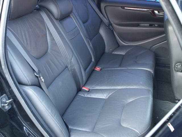 ボルボ ボルボ V70 クラシック 最終モデル 限定車 HDDナビ 本革シート