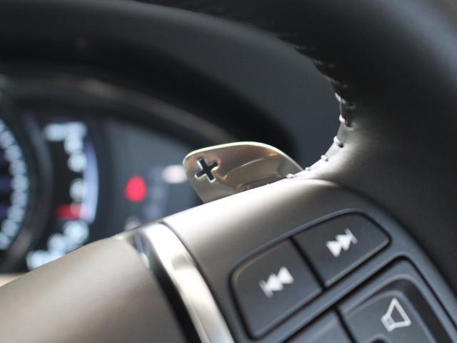 ボルボ ボルボ XC60 T5 AWD SE 4輪駆動 社内使用車