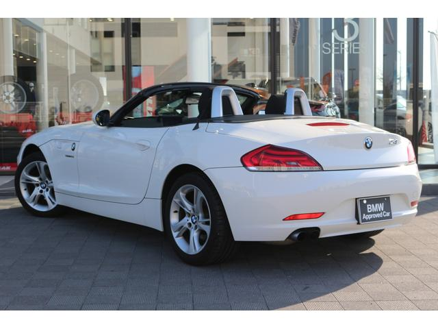 ドイツ発祥プレミアムブランドBMW。BMWの売りはなんと言っても磨きぬかれたその走り!内外装の洗練された高級感のあるデザインもさることながら走りこそがBMWの真髄。是非駆け抜ける歓びをご体感ください。