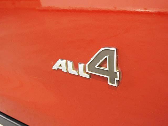 クーパーD クロスオーバー オール4 1年保証 CD ETC アームレスト フロントガラス熱線 オートライト オートワイパー ブラックリフレクターキセノン 16AW 禁煙 認定中古車(3枚目)