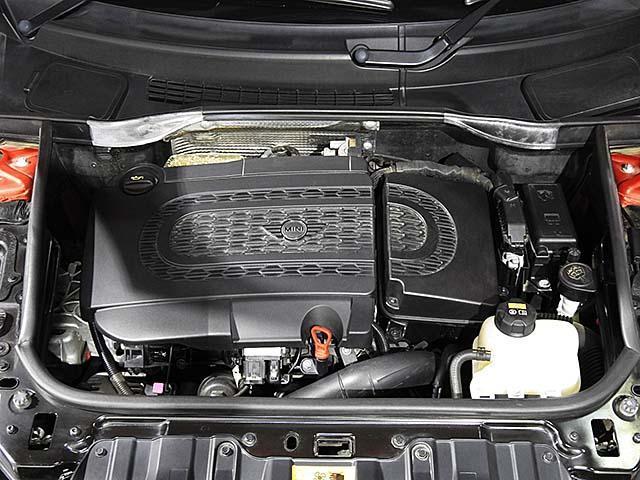 クーパーD クロスオーバー オール4 1年保証 CD ETC アームレスト フロントガラス熱線 オートライト オートワイパー ブラックリフレクターキセノン 16AW 禁煙 認定中古車(4枚目)