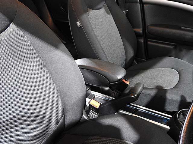 クーパーD クロスオーバー オール4 1年保証 CD ETC アームレスト フロントガラス熱線 オートライト オートワイパー ブラックリフレクターキセノン 16AW 禁煙 認定中古車(18枚目)