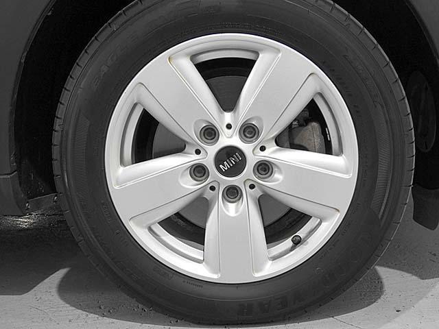 クーパーD クロスオーバー オール4 1年保証 CD ETC アームレスト フロントガラス熱線 オートライト オートワイパー ブラックリフレクターキセノン 16AW 禁煙 認定中古車(23枚目)