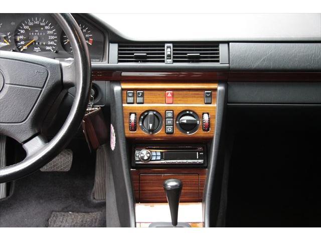 メルセデス・ベンツ M・ベンツ E280 後期モデル 記録簿 禁煙車 パワーシート