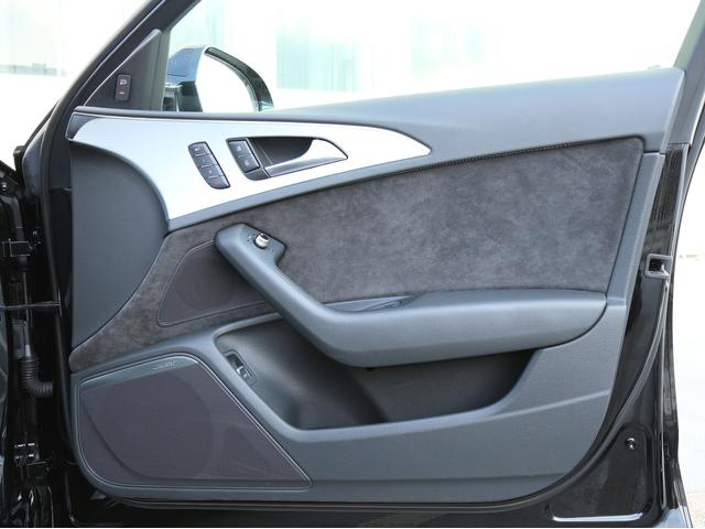 アウディ アウディ A6アバント 3.0TFSIクワトロ Sライン・リヤコンフォート認定中古車