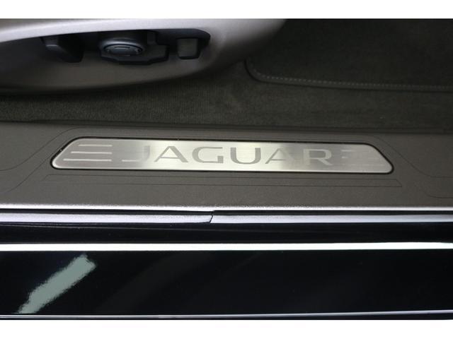 ジャガー ジャガー XE ポートフォリオ オイスターベージュレザー弊社デモカー