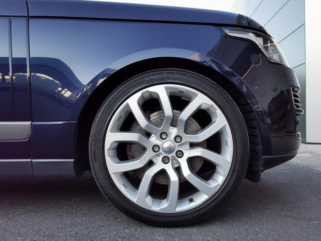 オートバイオグラフィー 4WD サンルーフ エアサスペンション認定中古車(3枚目)