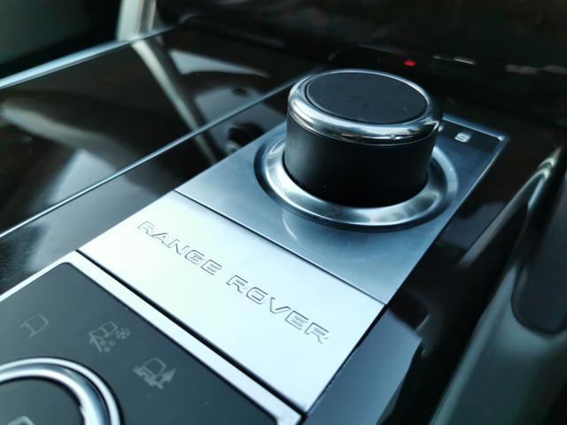 オートバイオグラフィー 4WD サンルーフ エアサスペンション認定中古車(14枚目)