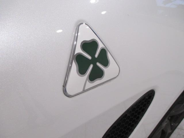 【全国ご納車承ります】アルファロメオ・フィアット・アバルトのことならチェッカーモータースへ!知識と経験に自信がございます。車輌状態など、お気軽にお問い合わせください。