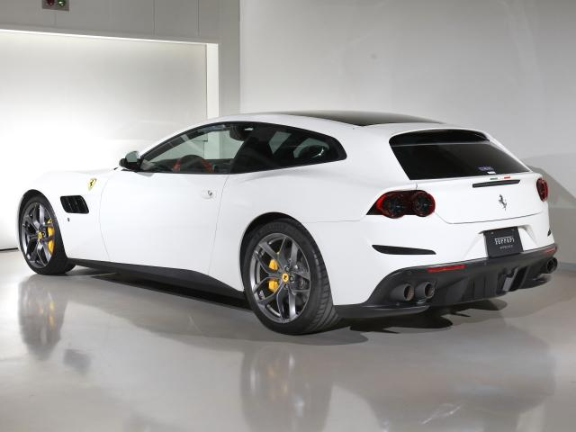 T  Ferrari認定中古車パノラマルーフ(3枚目)