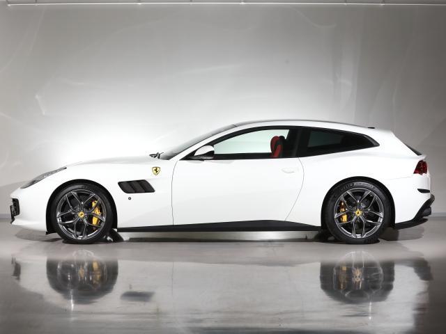 T  Ferrari認定中古車パノラマルーフ(5枚目)