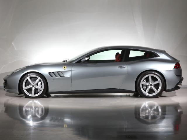 フェラーリ・ファイナス各種ローンを取り扱っております。残価設定型ローンですと、3年お支払いプランにて75%に残価設定が可能でございます。