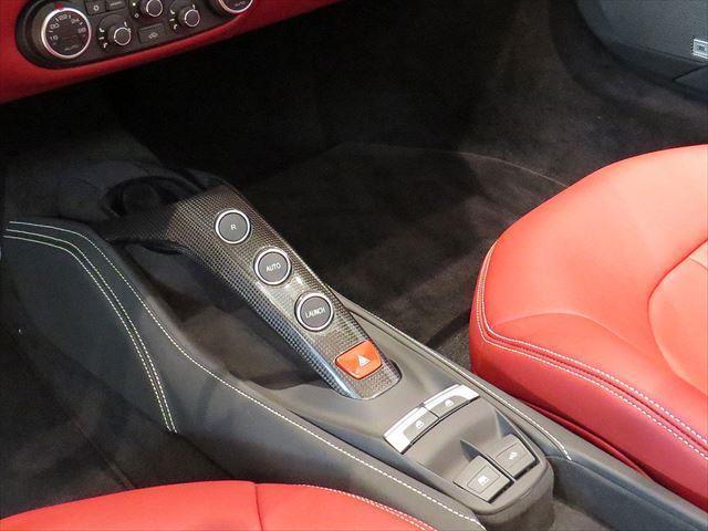 F1 DCT CORNES認定中古車(11枚目)