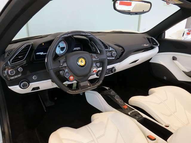 「フェラーリ」「488スパイダー」「オープンカー」「愛知県」の中古車5