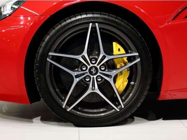 「フェラーリ」「フェラーリ カリフォルニア」「オープンカー」「大阪府」の中古車16