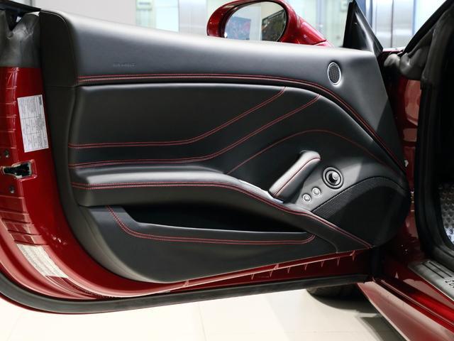 「フェラーリ」「フェラーリ カリフォルニアT」「オープンカー」「大阪府」の中古車15