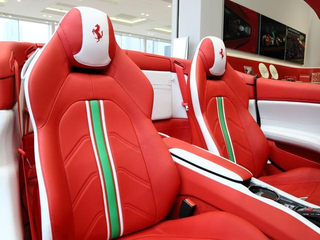 「フェラーリ」「フェラーリ カリフォルニアT」「オープンカー」「大阪府」の中古車11