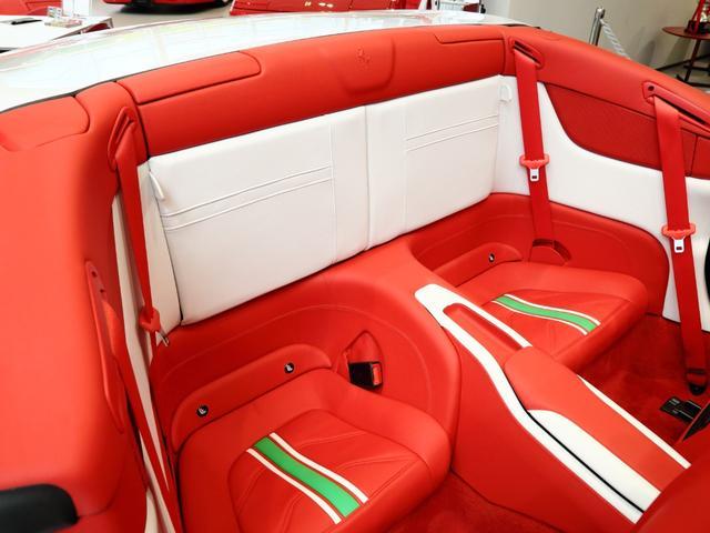 「フェラーリ」「フェラーリ カリフォルニアT」「オープンカー」「大阪府」の中古車12