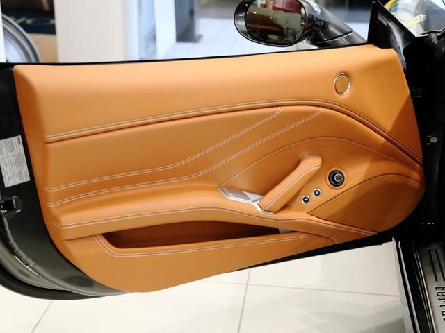 「フェラーリ」「フェラーリ カリフォルニアT」「オープンカー」「大阪府」の中古車13