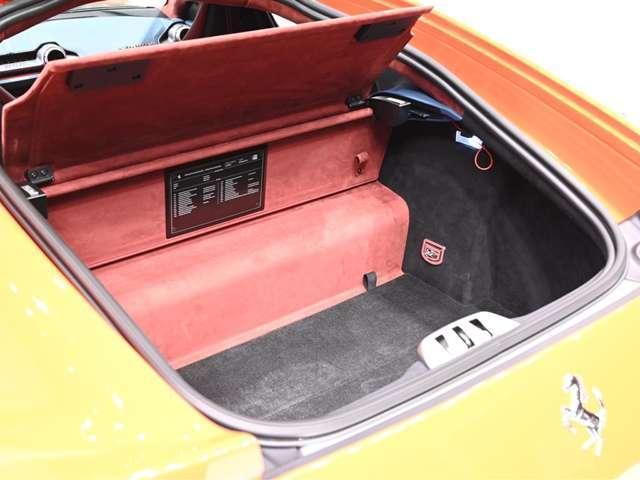 「フェラーリ」「812スーパーファスト」「クーペ」「大阪府」の中古車16