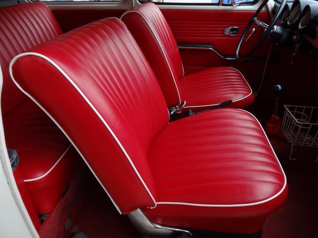 フォルクスワーゲン VW タイプIII バリアントツインキャブローダウンレッド革シートETCキャリア