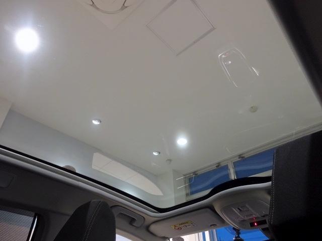 SW GT BlueHDi パノラミックガラスルーフ(オプション設定)装着