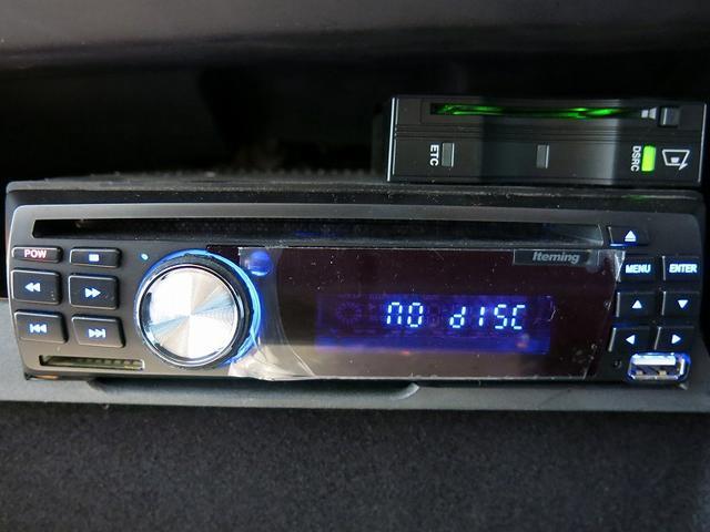 DVDプレーヤーサイドステップ、アルパインリヤモニター等が装備されております。