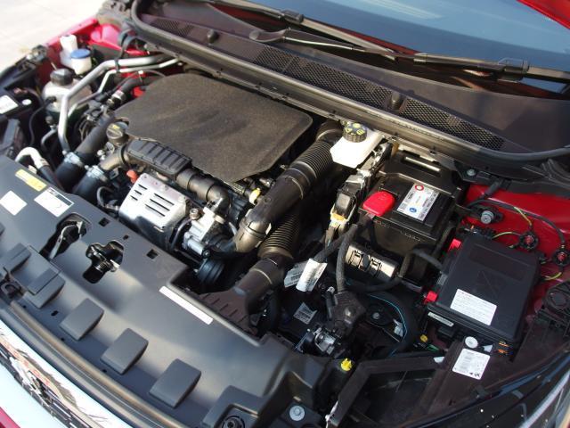 1.2L直列3気筒DOHCターボエンジンを搭載しております。130馬力(カタログ値)の力強い走りをお楽しみください。