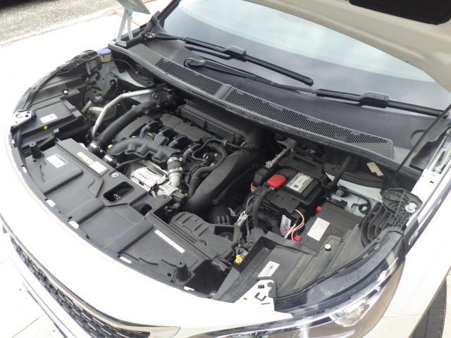 1.6L直列4気筒DOHCターボガソリンエンジンです。