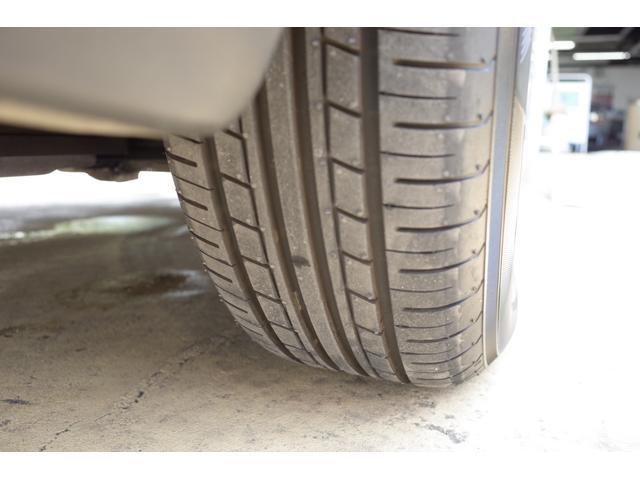 タイヤは新品に履き替え済みです。