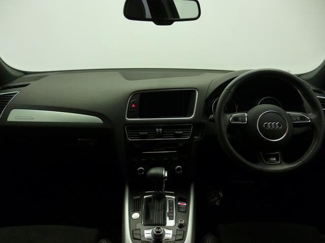 [標準装備]quattro/スタートストップシステム/2ステージ エアバッグ (運転席/助手席)/EPB (エレクトロメカニカル パーキングブレーキ)/