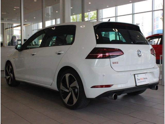 「車両品質(認定)」フォルクスワーゲン認定中古車は初年度登録より10年10万km以内の正規輸入車のみをお届けします。