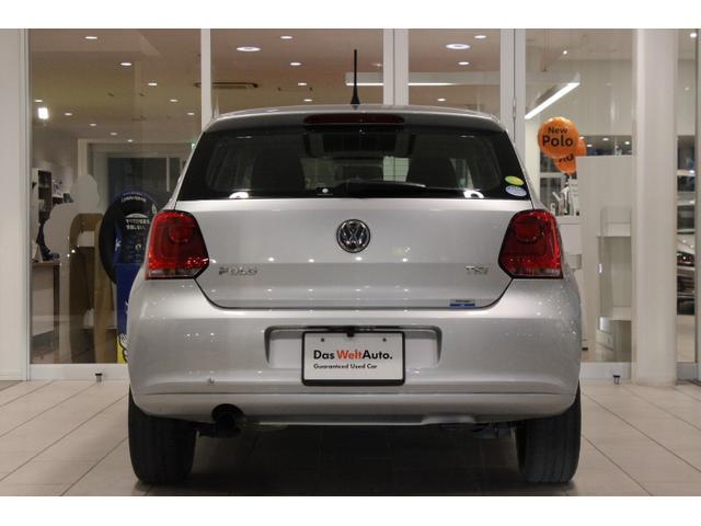 フォルクスワーゲン VW ポロ 1.2TSIコンフォートライン 社外ナビ Rカメラ