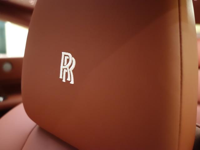 RRヘッドレスト刺繍(シーシェル)