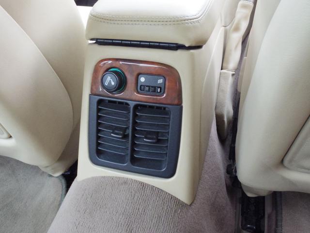 XJ エグゼクティブ3.2-V8 ディーラー車 01モデル(12枚目)