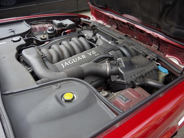XJ エグゼクティブ3.2-V8 ディーラー車 01モデル(18枚目)