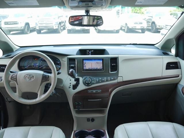 米国トヨタ シエナ XLE 4WD 新車並行 フルセグ地デジナビ リアモニター