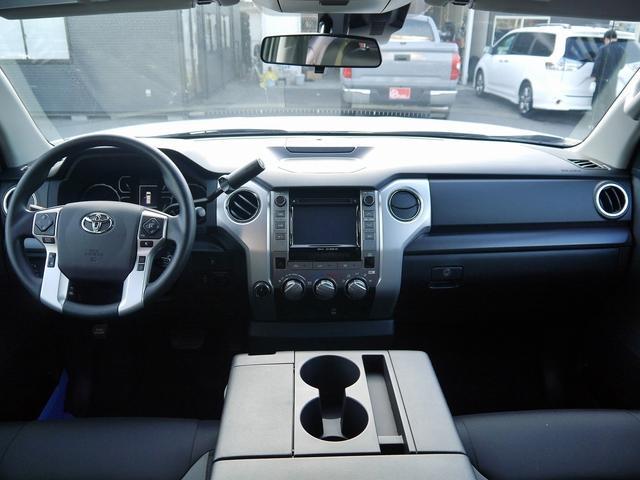 米国トヨタ タンドラ クルーマックスSR5 4WD  トノカバー