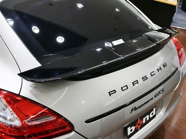 ポルシェ ポルシェ パナメーラ GTS スポーツクロノPKG