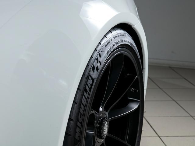 911R 国内正規ディーラー車 世界991台限定 シングルマスフライホイール スポーツエグゾースト フロントリフター スポーツクロノ チタンマフラ PCCB 純正ナビゲーション プロテクションフィルム(8枚目)