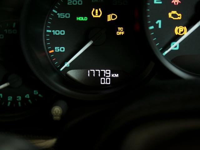 911R 国内正規ディーラー車 世界991台限定 シングルマスフライホイール スポーツエグゾースト フロントリフター スポーツクロノ チタンマフラ PCCB 純正ナビゲーション プロテクションフィルム(20枚目)