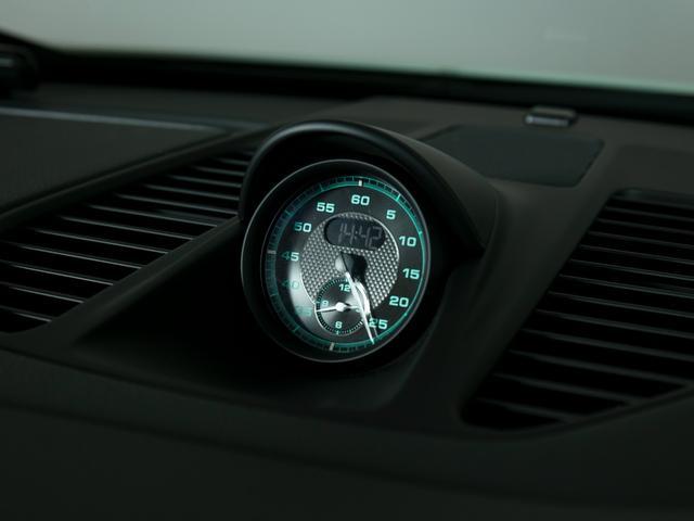 911R 国内正規ディーラー車 世界991台限定 シングルマスフライホイール スポーツエグゾースト フロントリフター スポーツクロノ チタンマフラ PCCB 純正ナビゲーション プロテクションフィルム(23枚目)