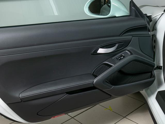 911R 国内正規ディーラー車 世界991台限定 シングルマスフライホイール スポーツエグゾースト フロントリフター スポーツクロノ チタンマフラ PCCB 純正ナビゲーション プロテクションフィルム(25枚目)