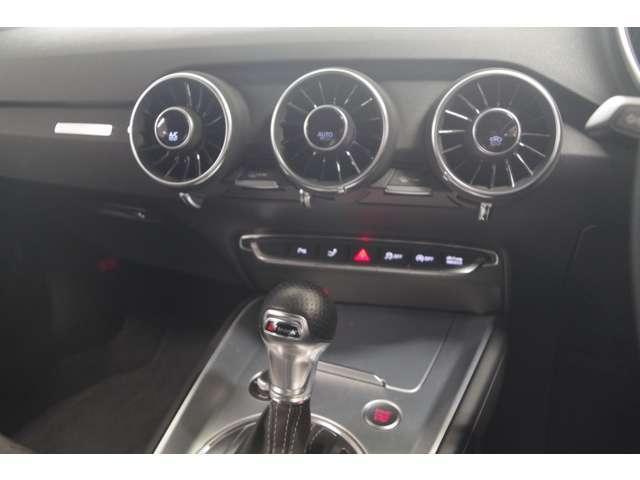 Audiを選ぶ理由として、つねに上位に挙げられる洗練されたデザインの魅力。外観だけでなく、感触、においにまで目を光らせている専門チームが存在することもAudiの特長です
