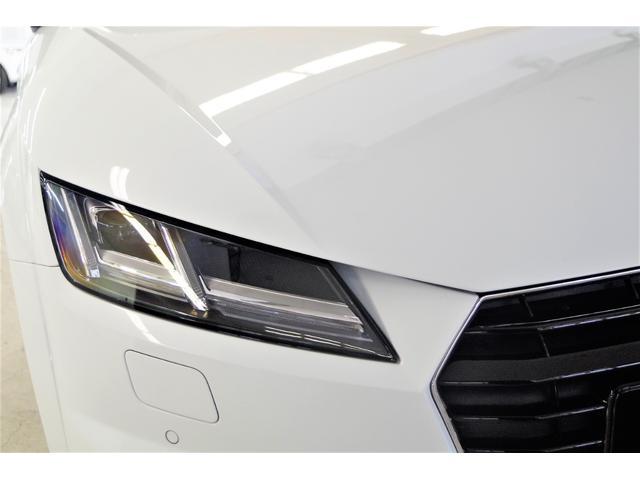 OPのマトリクスLEDヘッドライト装備!走行中にオートでハイビームになり、対向車や歩行者を検知した場合は光が当たらないように照射してくれる優れものです!