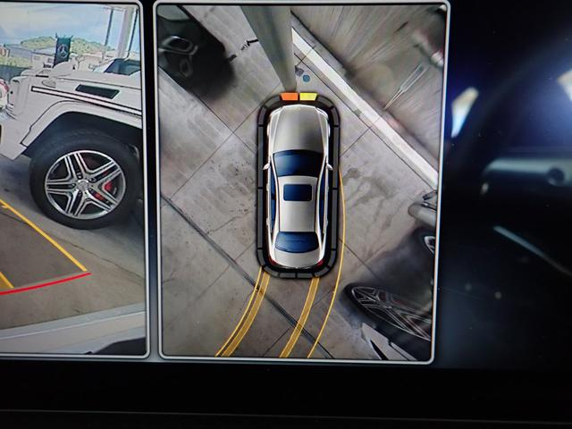 4つのカメラにより、自車を真上から見ているような「トップビュー」など、車両周辺の状況が直観的に把握できます。
