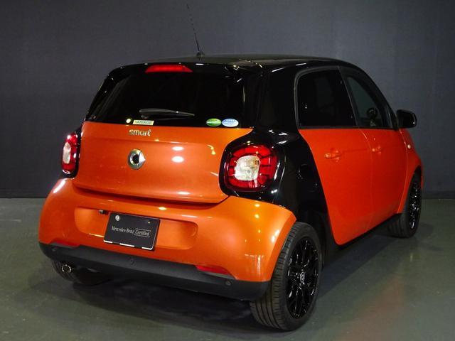 ターボ smart forfour turbo ディーラーオプションナビゲーション 本革シート 認定中古車(6枚目)