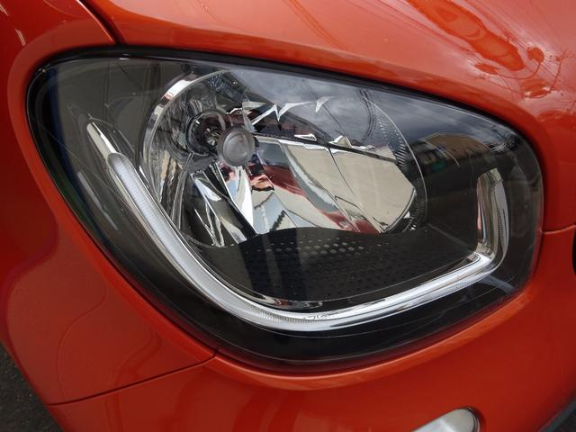 ターボ smart forfour turbo ディーラーオプションナビゲーション 本革シート 認定中古車(8枚目)