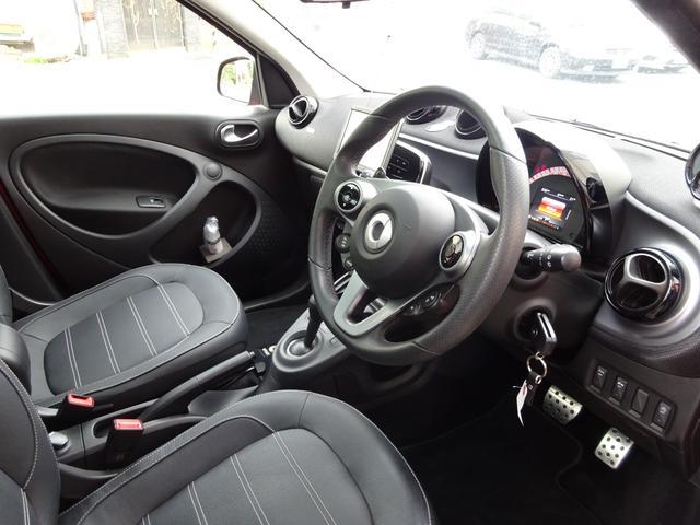ターボ smart forfour turbo ディーラーオプションナビゲーション 本革シート 認定中古車(11枚目)