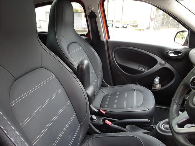 ターボ smart forfour turbo ディーラーオプションナビゲーション 本革シート 認定中古車(13枚目)